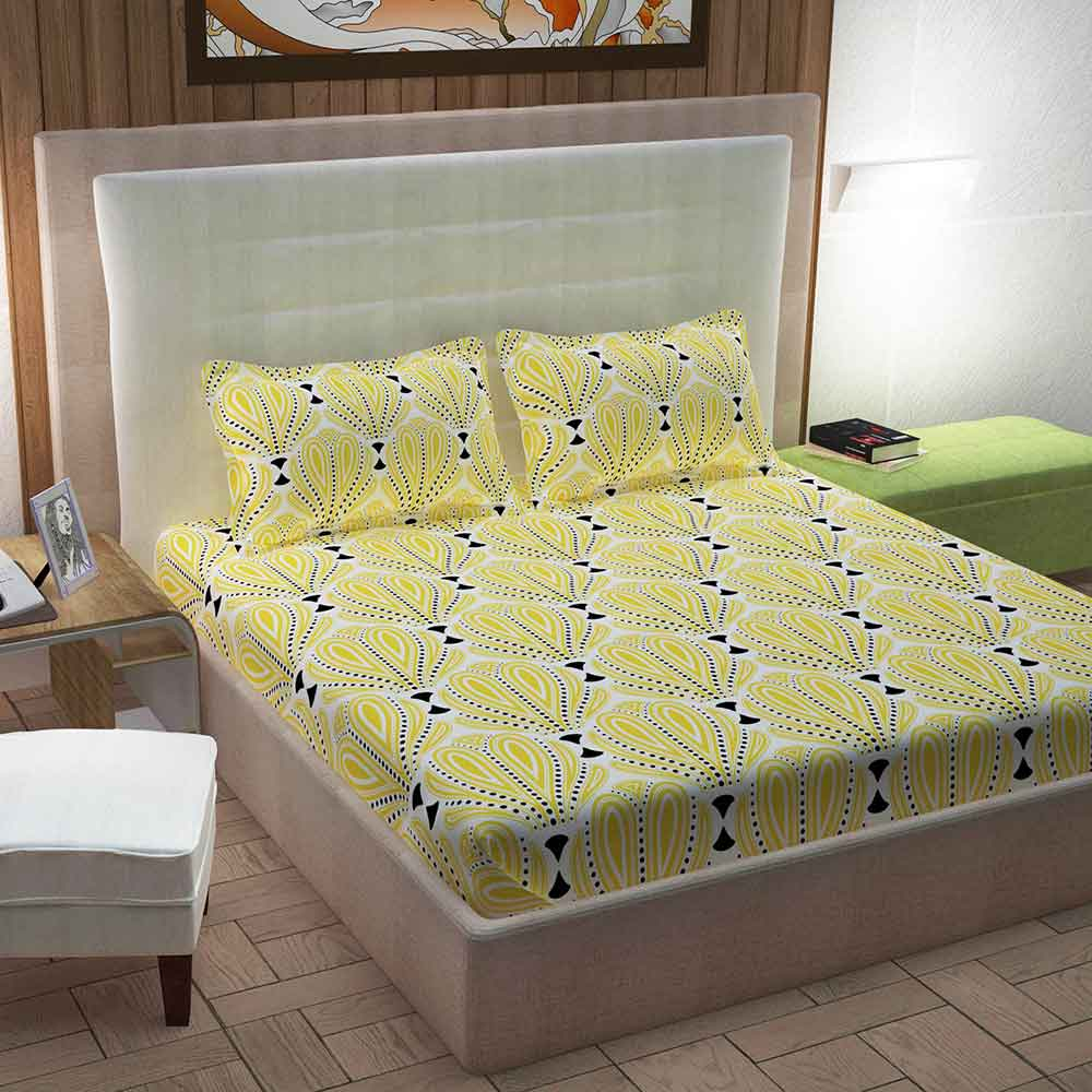 Divine Casa 100% Queen Size Bed Sheet With 2 Pillow Covers Cotton 144 TC, Motifs – Yellow & Black